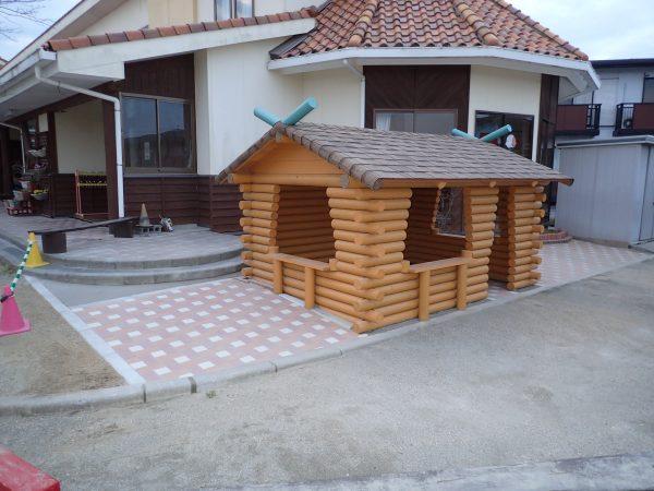 スマート建築による遊び小屋(側面)