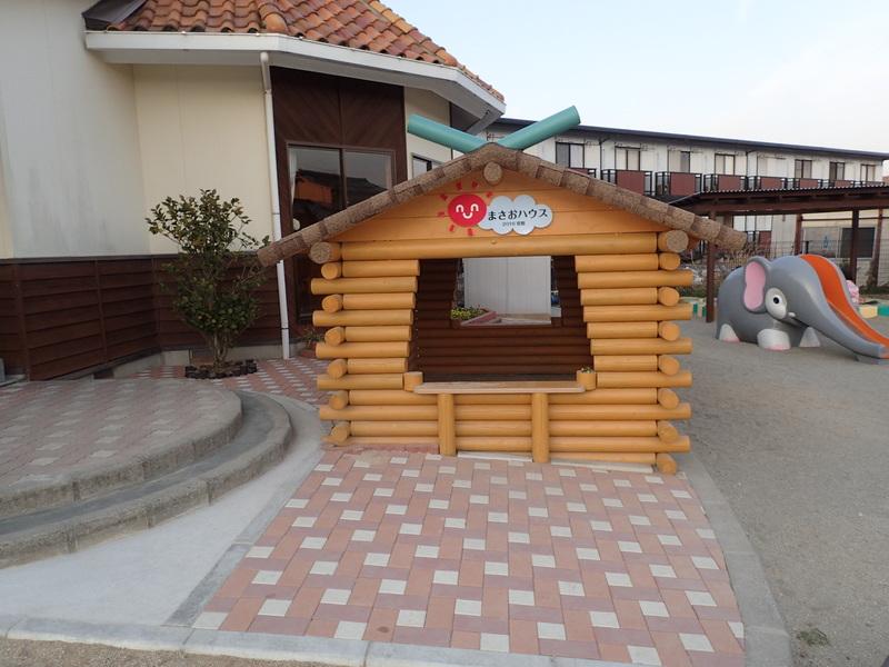 子供の遊び小屋のサムネイル
